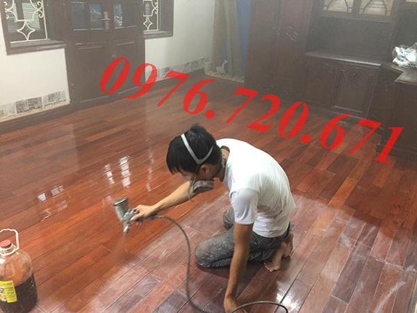Thợ sơn sàn gỗ tại Cầu Giấy