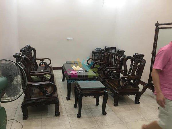 Đánh vecni bàn ghế gỗ tại nhà