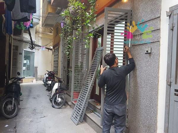 Thợ sơn cửa sắt giá rẻ ở Hoàn Kiếm