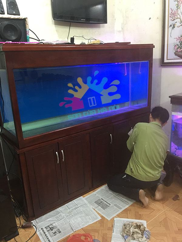 Thợ sơn kệ bể cá gỗ giá rẻ