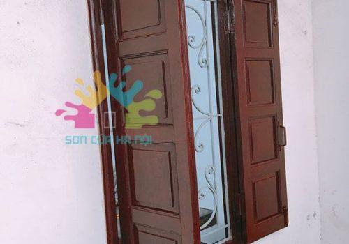 Sơn cửa sổ gỗ giá rẻ ở Hà Nội