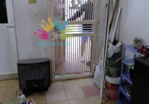Sơn cửa gỗ, cửa sắt tại chung cư Hoàng Mai Giám, Quận Thanh Xuân, Hà Nội