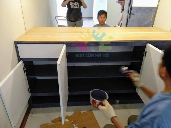 Thợ sơn tủ gỗ giá rẻ tại Cầu Giấy