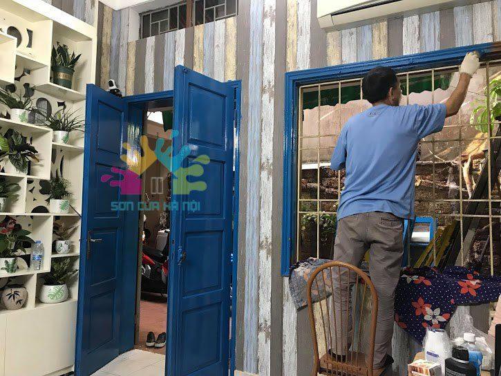 Sơn cửa gỗ màu gì vừa đẹp vừa hợp theo phong thủy?