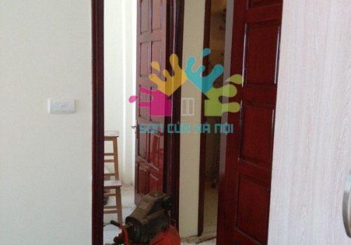 Thợ sơn cửa gỗ ở Khương Đình, Thanh Xuân, Hà Nội
