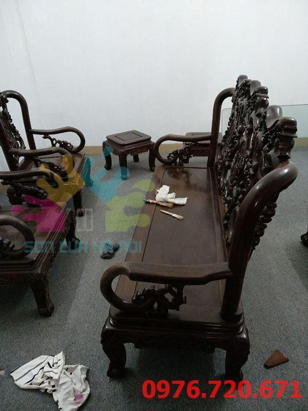 Sơn PU bộ bàn ghế tại Đống Đa