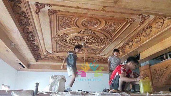 Thợ sơn PU trần gỗ