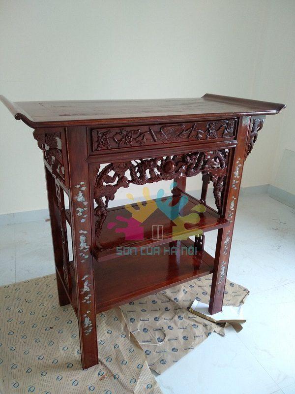 Đánh vecni tủ thờ gỗ gụ tại nhà giá rẻ
