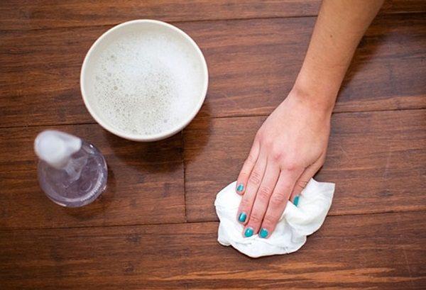 4 cách tẩy vết dầu mỡ trên tủ bếp siêu đơn giản