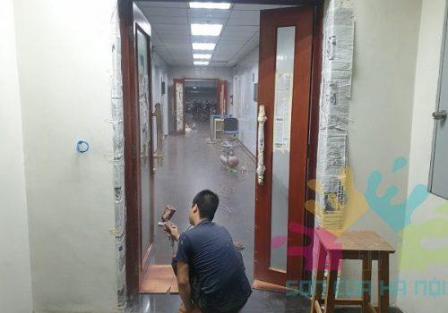 Sơn PU cửa gỗ tại Vinaconex Tower, 34 Láng Hạ, Hà Nội